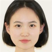 je suis chinoise et j'ai le certificat de qualification de mandarin standard, je parle couramment le français et l'anglais