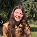 Alumna que ha acabat batxillerat científic imperteix classes