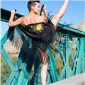 Profesor titulado por el real conservatorio profesional de danza en madrid. ofrezco clases particulares y/o online a parte de las grupales. danza española, sevillanas, flamenco, salsa, bachata y ballet