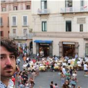 Professeur de langue maternelle italienne .Possibilité de suivre un cours en direct sur Toulouse . prix minimum. .apprendre et cuisiner l'italien ensemble