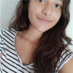 Irene Malvesí Flores