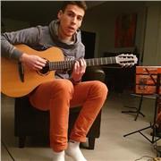Passionné et pratiquant de guitare depuis plusieurs années, je souhaite transmettre ma passion pour la guitare