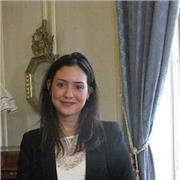 Professeur de français et de droit, passionnée par la transmission du savoir. La bienveillance et la pédagogie, sont la clé de réussite