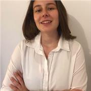 Etudiante en commerce bilingue ayant passé un bac international britannique
