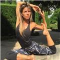 Doy clases particulares de yoga kundalini y vinyasa flow. también doy clases de cocina saludable y hago masajes ayurvédicos