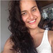 Étudiante colombienne donne des cours d'espagnol
