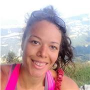 Coach sportif diplômée donne des cours de fitness, pilates et yoga