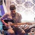 Insegnante di chitarra offre lezioni private a parma e dintorni