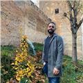 Profesor de historia, original y didáctico, ofrece clases a alumnos hasta de bachillerato