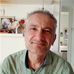 Peter Khan