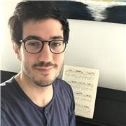 Pianiste passionné donne des cours de piano à Bordeaux et environs, jouez vos morceaux classiques préférés ou les chansons de votre choix !
