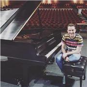 Professeur de piano classique à Paris. Cours pour débutants et expérimentés