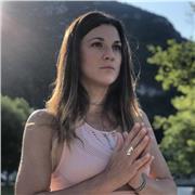 Professeur de Yoga certifiée 200 heures Yoga Alliance