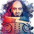 Profesor de educación musical y producción musical. guitarrista y baterista hace mas de 20 años y actualmente productor de música electrónica