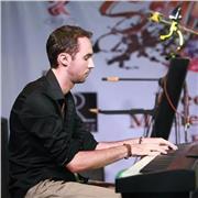 Pianiste professionnel propose cours individuels, jazz, musique latine, pop, rock ou classique