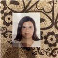Profesora de lengua castellana, nacida en españa. de cursos hasta segundo de la eso