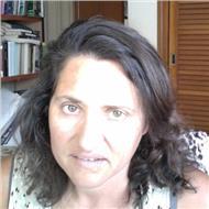 Profesora de inglés con experiencia con exámenes oficiales y con clases creativas donde se aprende mucho