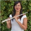 Licenciada en flauta travesera imparte clases