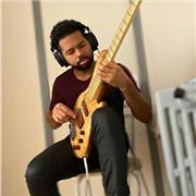 Professeur de musique/guitare/basse, je compte vous faire avancé et de vous éviter la mauvaise sensation de tourner en rond