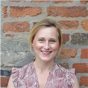 Professeure de langue allemande caractérisée par des expériences interculturelles dans l´enseignement interactif auprès d'enfants et adults