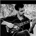 Profesor de música con orientación a canto jazz, folcklore y tango. diferentes estilos, tecnica, interpretacion. clases de guitarra, lenguaje músical