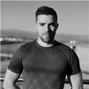 Je suis coach sportif et préparateur physique sur la région de Cannes. Passionné de sport depuis mon enfance, il m'est apparu naturel de me diriger dans ce domaine professionnel
