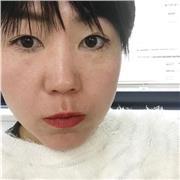 Je suis Rie Nakata du Japon.  Je travaille au Japon depuis 20 ans, notamment dans la publicité, la mode, les magazines et la photographie de talents.  J'ai déménagé ma base de Tokyo en France en janvier de cette année.  J'ai travaillé comme agent d'artist