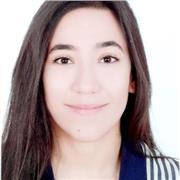 Je suis une étudiante tunisienne passionnée par ma langue maternelle je voulais bien partager mes connaissances avec vous