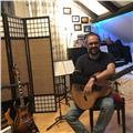 Profesor titulado de guitarra, me ofrezco para dar clases de guitarra española, eléctrica, bajo y ukelele. clases totalmente personalizadas y adaptadas a las necesidades/objetivos de cada alumno