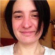 Professeur certifiée, spécialisée en langue française et littérature, donne cours de français aux élèves de collège et lycée