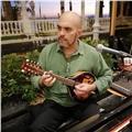 Ofrezco clases particulares online de técnica vocal, guitarra y mandolina para todas las edades