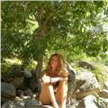 Doy clases particulares y a grupos reducidos de yoga y meditación
