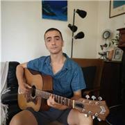 Professeur de guitare et basse propose cours particuliers et collectifs sur Marseille et aubagne