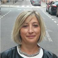 A. María