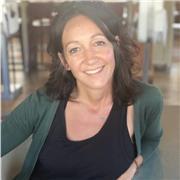 Professeur de Yoga diplômée de l'école internationale du Quebec Diva Yoga  vous propose des cours de Hatha Yoga respectant le niveau et l'âge de chacun