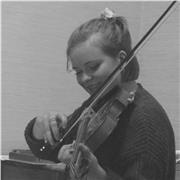 Professeure de Violon à Rennes. Etudiante au conservatoire et au  Centre de formation des musiciens intervenants , j'interviens en milieu scolaire et donne des cours particuliers de violon et formation musicale dans le cadre de ma formation