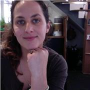Jeune femme de 33 ans donne cours pluridisciplinaires niveau primaire, français ou autre matières de la filière littéraire jusqu'au niveau seconde