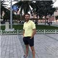 Profesor de catalàn nativo, dando a classes a alguien que le cueste hablar el catalàn