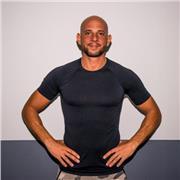 Je suis coach sportif, préparateur physique diplômé, j'ai plus de 10 ans d'expérience dans l'accompagnement et le coaching sportif de tous niveaux, débutant, confirmé, athlète. Ancien membre Antenne GIGN, préparateur physique d'athlète crossfit, triathlon
