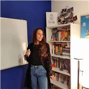 Professeur d'italien et russe donne les cours particuliers de l'italien, le russe et le serbo-croate à Paris