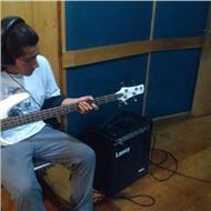 Clases de bajo , guitarra , batería y teclado