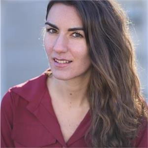 Emma De Caro